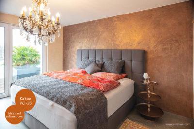 Mikrozement fugenlose Wandbeschichtung im Schlafzimmer - Kakao VO-35 mit Laublasur